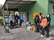 8 października członkowie Szkolnego Klubu Miłośników Zwierząt odwiedzili Legnickie Schronisko dla Zwierząt.